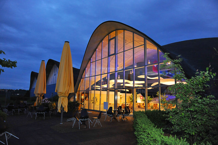 "Restaurant ""HOLDING"" with terrace towards JU hangar"