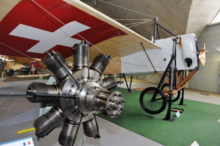 9-cylinder radial engine